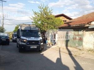 Спецполицаи щурмуваха ромска махала край Пловдив, 8 души - в ареста след сбиване