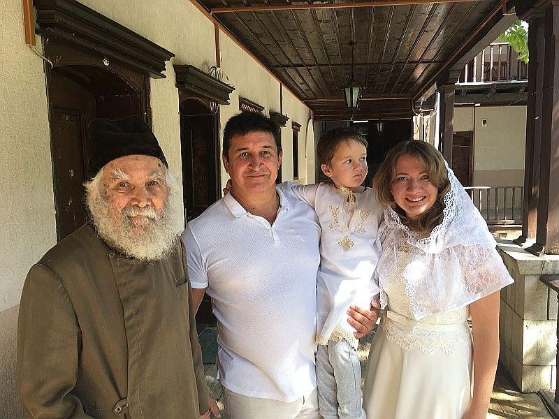 Руско семейство измоли рожба от Света Богородица в Бачковския манастир