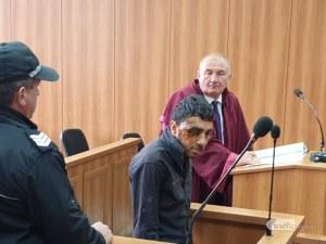 Изправиха обезобразения шофьор на колата ковчег край Марица пред съда! Оставиха Огнян в ареста