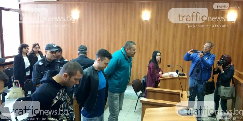 Трима от арестуваните от мегасхемата за пране на пари, отвлякли и пребили Албена във Войводиново, остават в ареста