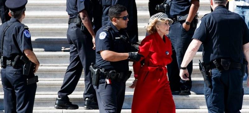 Арестуваха Джейн Фонда, Грета се скара на световните лидери