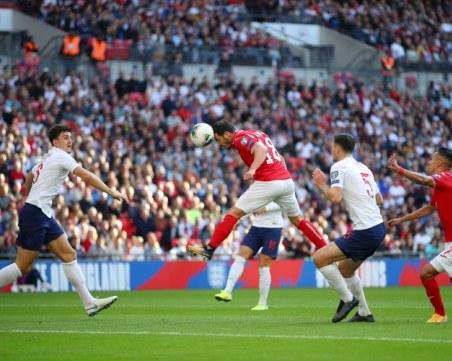 Англия ни резили с 6:0, първо предупреждение за расизъм