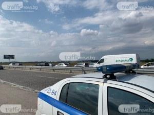 Два камиона се удариха на магистралата край Пловдив, движението е затруднено