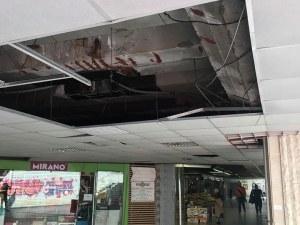 Огромна дупка в тавана на подлез плаши столичани