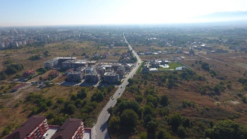 Остромила – кварталът на богатите, на майките с коли и... мистерия за таксиджиите