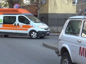 Порше помете две жени на пешеходна пътека в столицата
