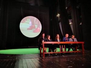 От интелектуалци до бездомници в документалния театър