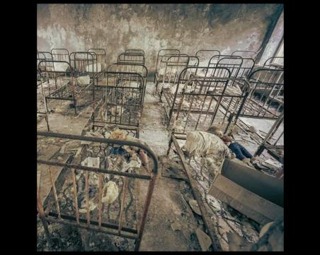 Два призрачни града, десетки изоставени села и мрачна атомна централа оживяват в София