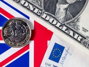 Паундът удари 5-месечен връх, само часове след анонсирането на нова сделка за Brexit