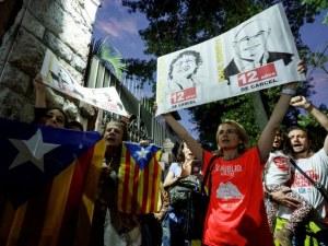 Външно зове: Не ходете в Барселона, чакат ви улични боеве, барикади и протести