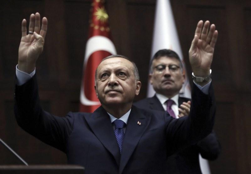 Турция спира войната в Сирия за 120 часа