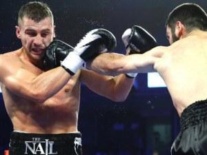 Артур Бетербиев, тръгнал от Ботев Пловдив, с още една световна титла в професионалния бокс