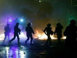 Безредиците в Барселона продължават – водни оръдия и сблъсъци в поредния ден на протест