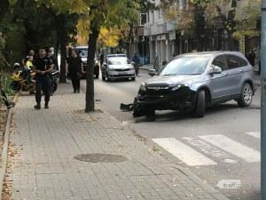 Катастрофа в Пловдив – Хонда е със смазана предница