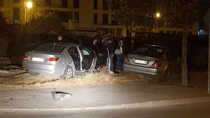 БМВ и Мерцедес се блъснаха и излязоха от пътя зад мол Пловдив