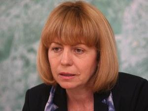 Фандъкова: Манолова да каже кой й плаща билбордовете и шатрите