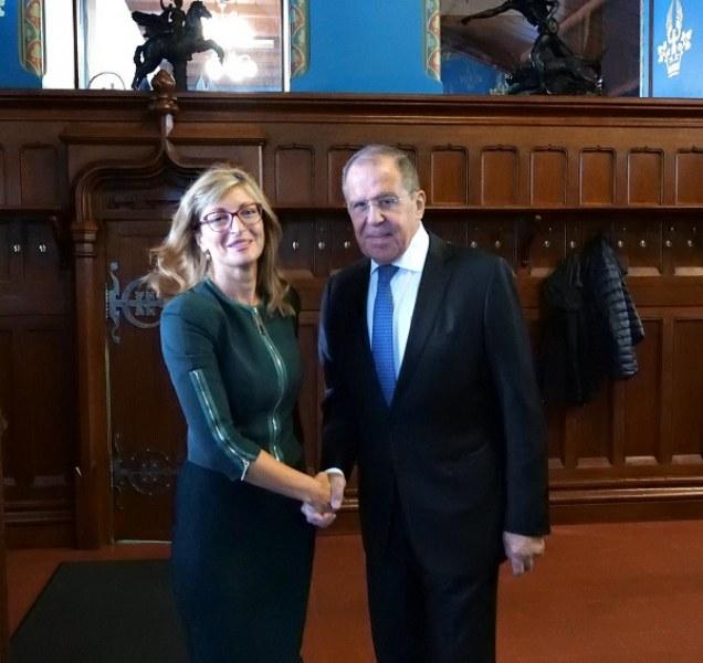 Русия ни даде земята под посолството в Москва и поиска същото в София