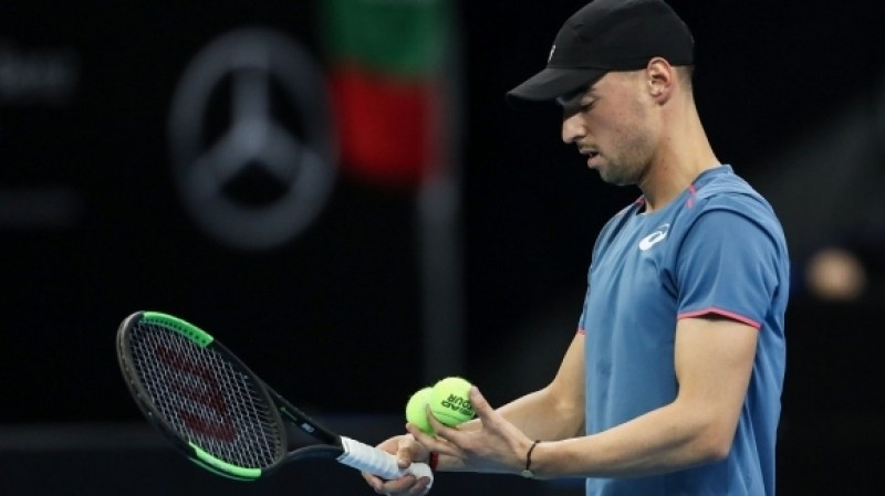 Мико ще играе тенис с ученици в София