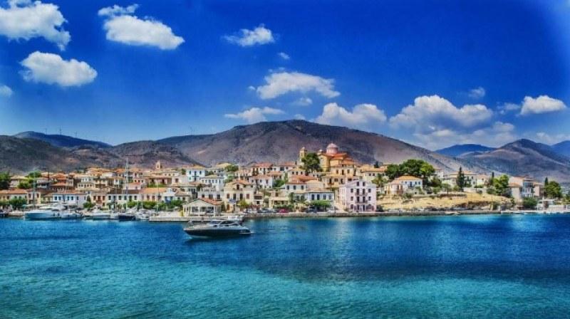 Революционно! Гърция маха ДДС за сделките с жилища