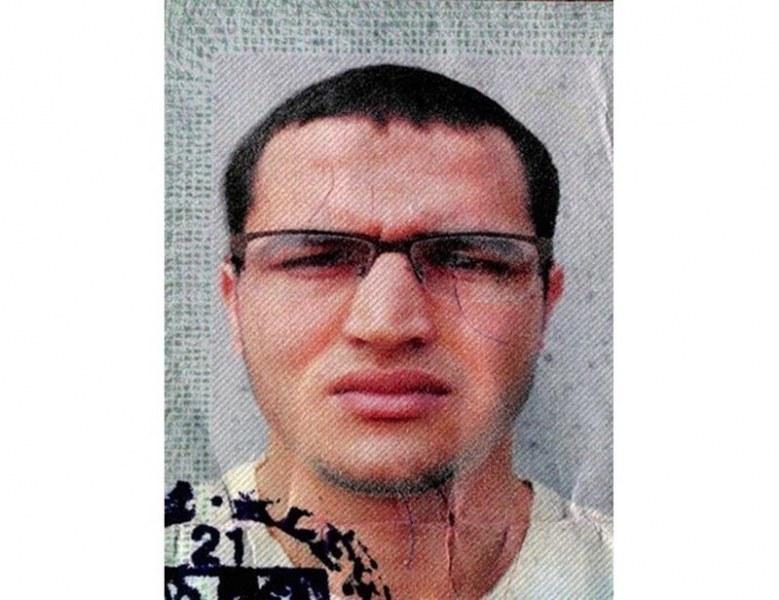 Тунизийски джихадист си направил селфи край дома на Меркел