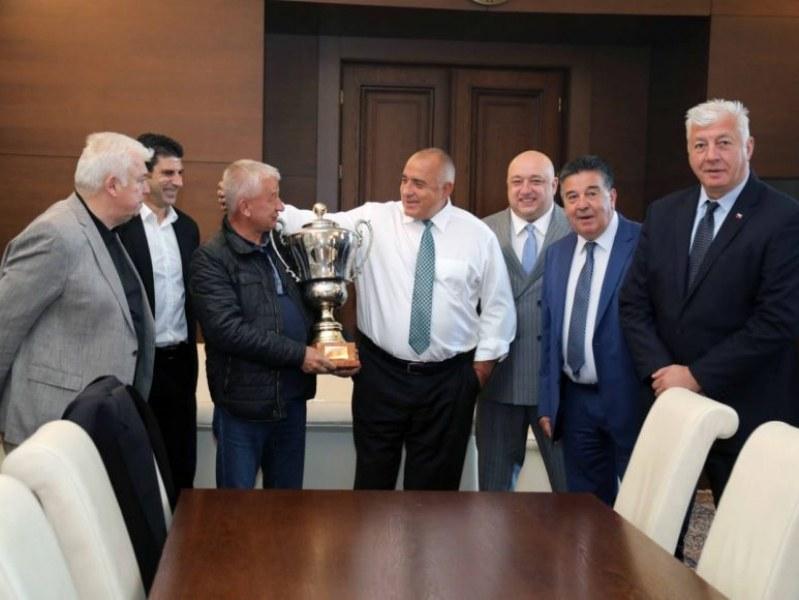 Здравко Димитров прибра в Пловдив шампионската титла на Локомотив, връчва я на феновете