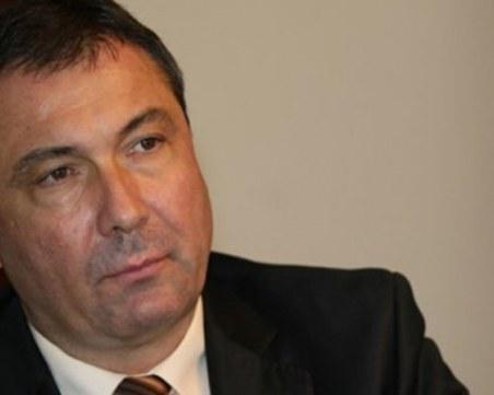 Съдът остави в ареста кмета на Несебър, предлагал по 100 лева за глас