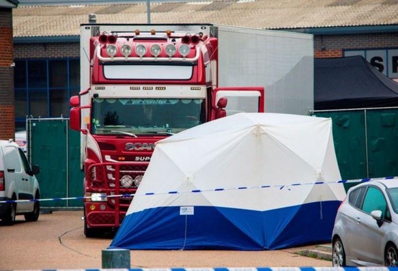 Арестуваха мъж и жена заради камиона с 39 трупа в Англия