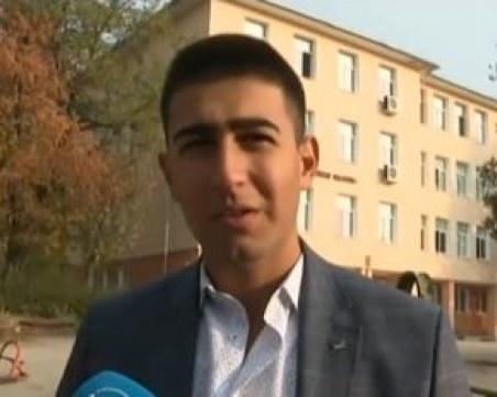 Ученик от Мездра чупи рекорда за най-млад общински съветник