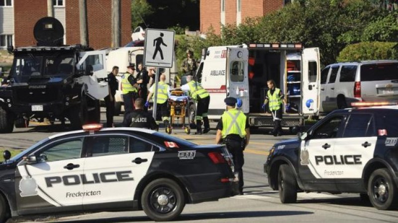 Стрелба в Канада, петима младежи с опасност за живота