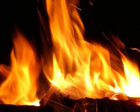 Мъж загина при пожар в къща във Варненско