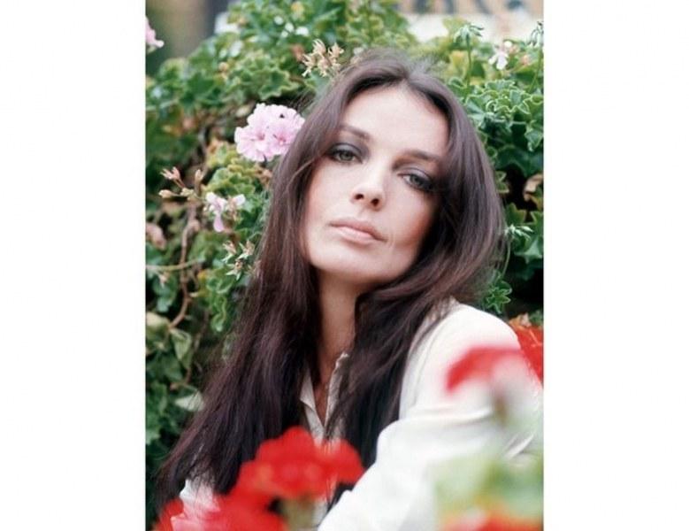 Почина известна френска певица и актриса