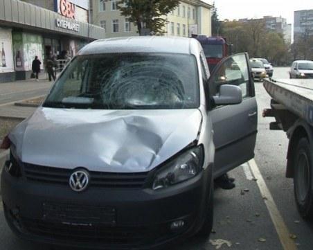 Шофьорът, врязал се в спирка във Варна, заспал зад волана
