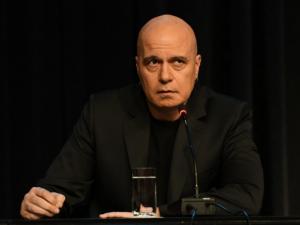 Слави Трифонов регистрира партията си в съда