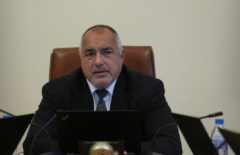 Борисов пусна кръв в ГЕРБ, но лечението продължава
