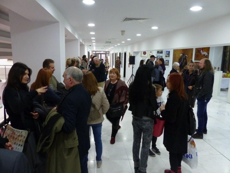 Пловдивският дом на културата стана Париж с изложбата