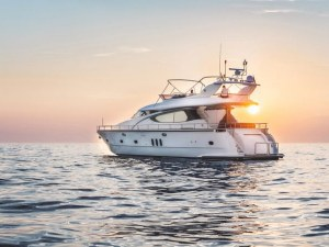 Богаташите вече не си купуват яхти