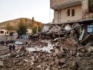 След силното земетресение в Иран:  Най-малко петима са загинали, а ранените са над 500