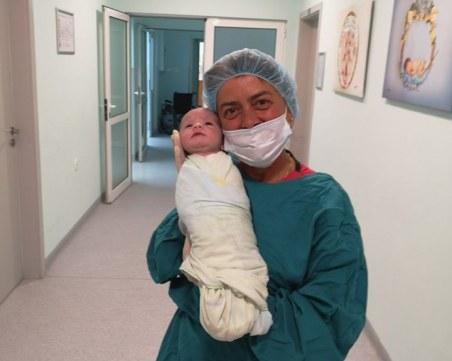 52-годишна жена роди здраво бебе във Варна