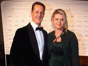Съпругата на Шумахер успокои феновете му