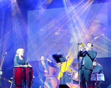 Хилда разтопи Пловдив с джаз версии на култова филмова бг музика