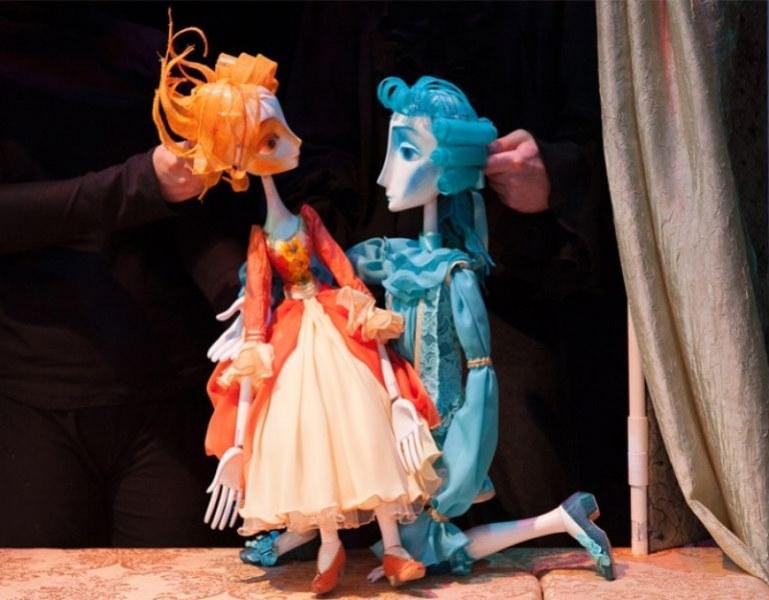 Седмица на бащата: Татковци и малчугани правят марионетки в Столичния куклен театър