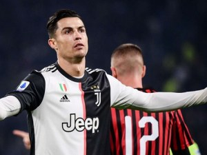 Роналдо побесня от смяната си, италианска легенда го отписа