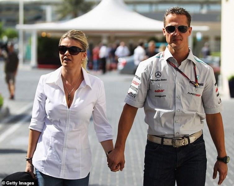 Бивш мениджър на Шумахер: Корина крие истинското му състояние