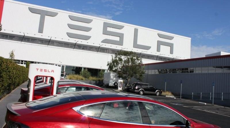 """""""Тесла"""" вдига нов завод в Германия"""