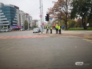 Неработещ светофар затруднява движението на кръстовище в Пловдив