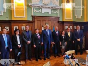 Новият кмет по култура Стефан Стоянов - от Осанна до Разпни го