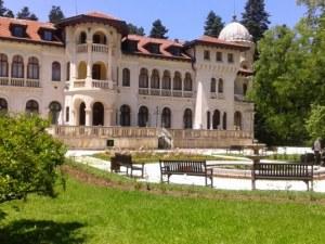 Съдът спря делото за двореца