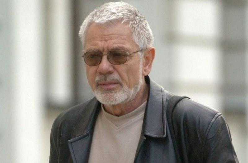 Поетът Недялко Йорданов с обвинение, блъснал пешеходец в Бургас