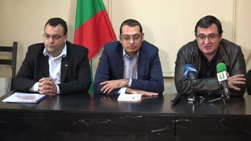 "Слави Георгиев и Костадин Гаров стават независими общински съветници, напускат ""патриотите"""
