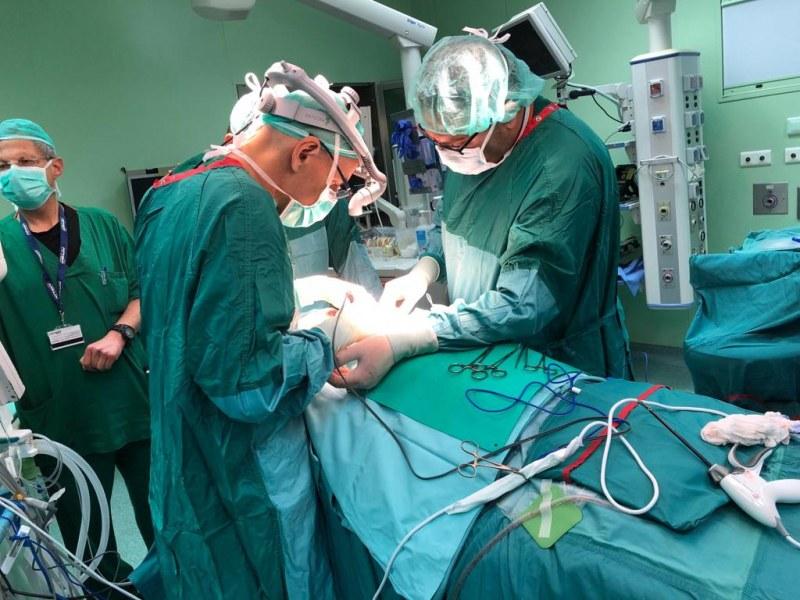 Спасиха мъж с голям мозъчен тумор след 8-часова операция в столична болница